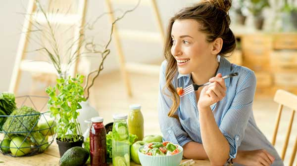 10 cách ăn uống thoải mái mà không tăng cân dành cho những chị em đang stress vì cân nặng