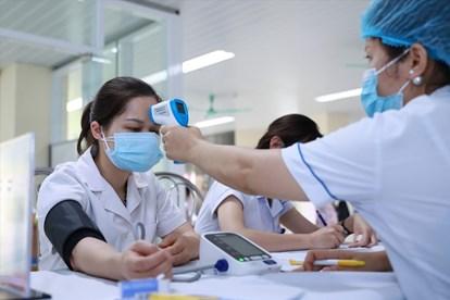 Bộ Y tế: Chỉ cần đo huyết áp khi khám sàng lọc tiêm vaccine COVID-19 với nhóm đối tượng được chỉ định