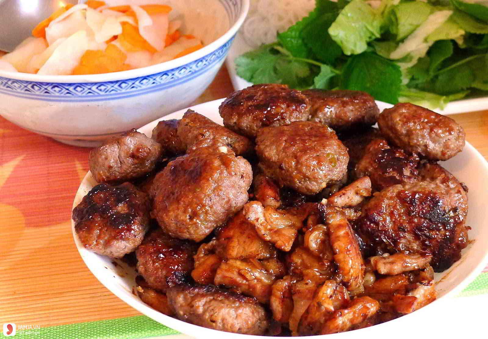 Cách làm chả viên thịt lợn ngon đúng điệu