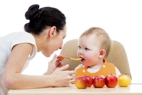 Cách tập ăn dặm kiểu Nhật cho bé 6 tháng tuổi chuẩn nhất