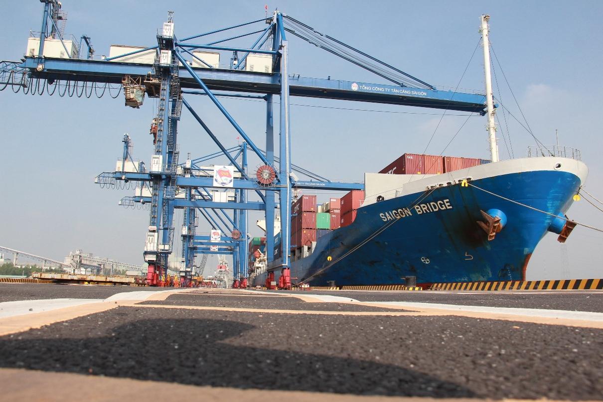 Cảng Tân Cảng Hiệp Phước tạm dừng dịch vụ do nhân viên mắc Covid-19, hoạt động xuất khẩu gạo khó khăn