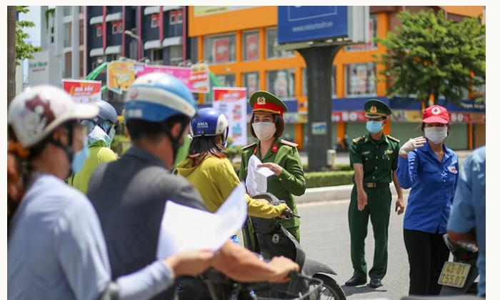 Đà Nẵng: Trục lợi từ cách ly nhờ việc bán giấy phép đi đường, người đàn ông bị phạt 7,5 triệu đồng