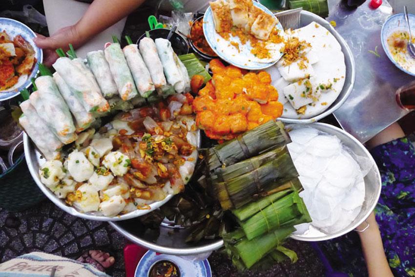 Dạo quanh Sài Gòn với 7 món ăn đường phố nổi tiếng