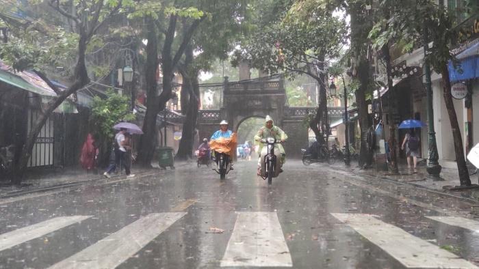 Dự báo thời tiết hôm nay 29/8/2021: Khu vực Hà Nội có mưa rào và dông