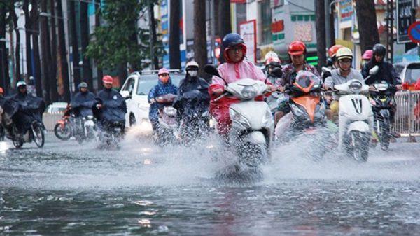 Dự báo thời tiết ngày 16/10: Bắc Trung Bộ mưa to đến rất to, miền Bắc trời lạnh