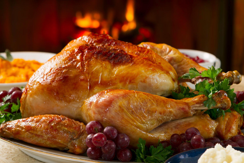 Cách làm gà tây đút lò cho đêm giáng sinh ấm áp