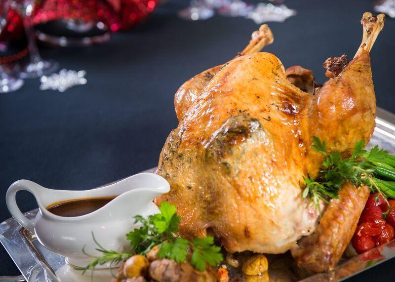 Cách làm món Gà tây nướng truyền thống dịp lễ Noel