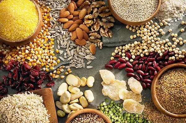 Giá ngũ cốc hôm nay 24/10: Nhập khẩu ngô, lúa mì, đậu tương cả nước tăng