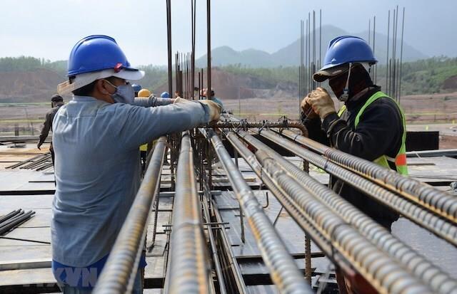 Giá thép xây dựng ngày 24/8/2021: Chuỗi tăng chưa dứt