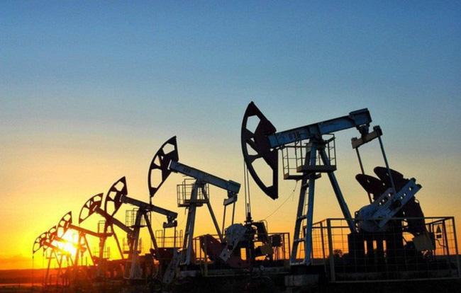 Giá xăng dầu hôm nay 16/9: Dao động trái chiều sau cơn bãoNicholas