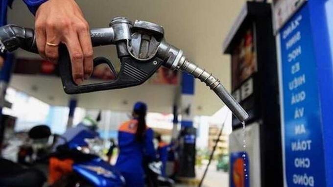 Giá xăng dầu hôm nay 25/8/2021: Dao động trái chiều