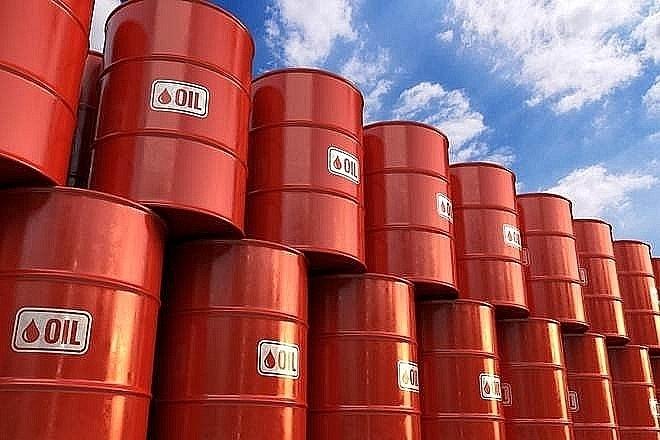 Giá xăng dầu hôm nay 27/10: Giá xăng trong nước vượt mốc 24.000 đồng/lít