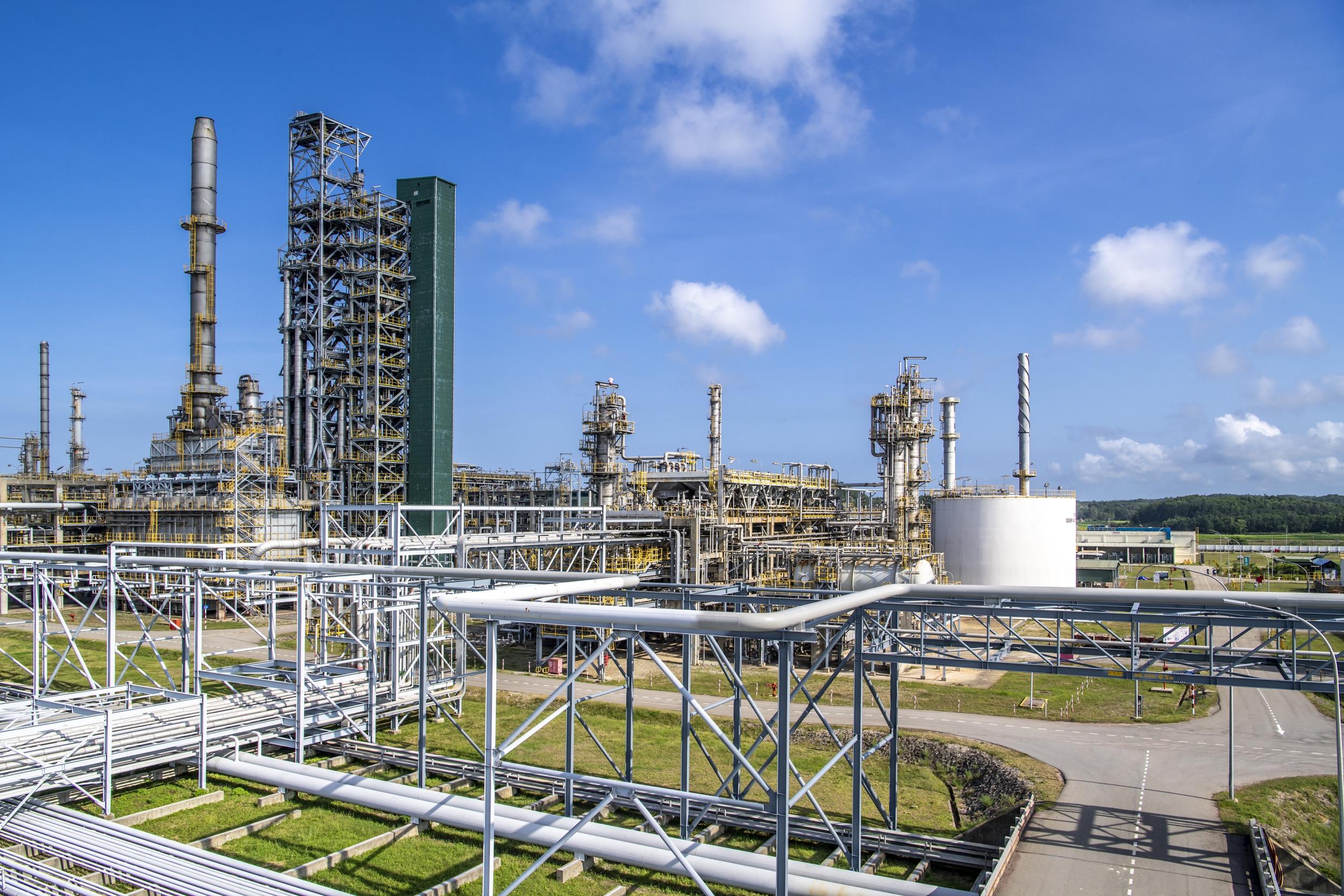 Giá xăng dầu hôm nay 28/10: Tăng giảm trái chiều