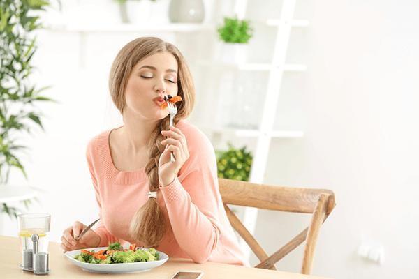 Giảm cân nên ăn gì vào bữa sáng nếu không muốn tăng cân ngược trở lại?