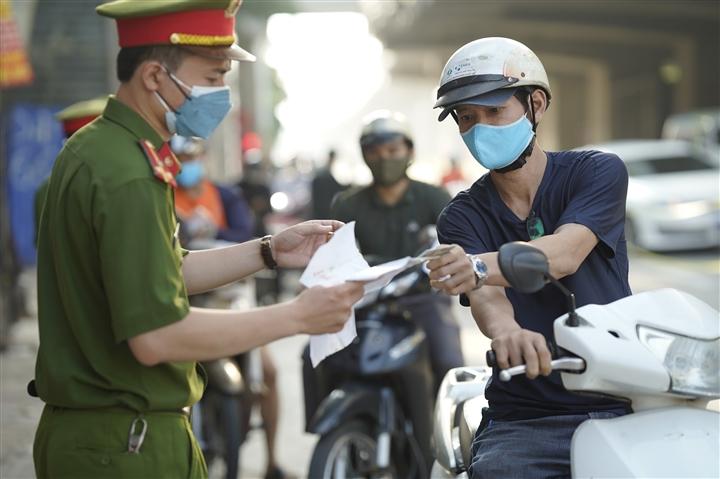 Hà Nội: Không kiểm soát giấy đi đường, không phân vùng từ 6h ngày 21/9