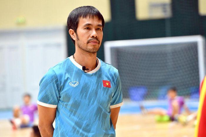 HLV của tuyển futsal Việt Nam mắc Covid-19: Tình hình sức khoẻ ra sao?