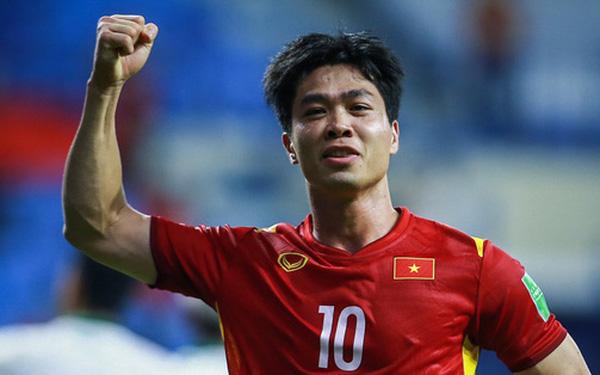 Hot: Danh sách 32 cầu thủ tuyển Việt Nam chuẩn bị cho trận Trung Quốc, Công Phượng trở lại