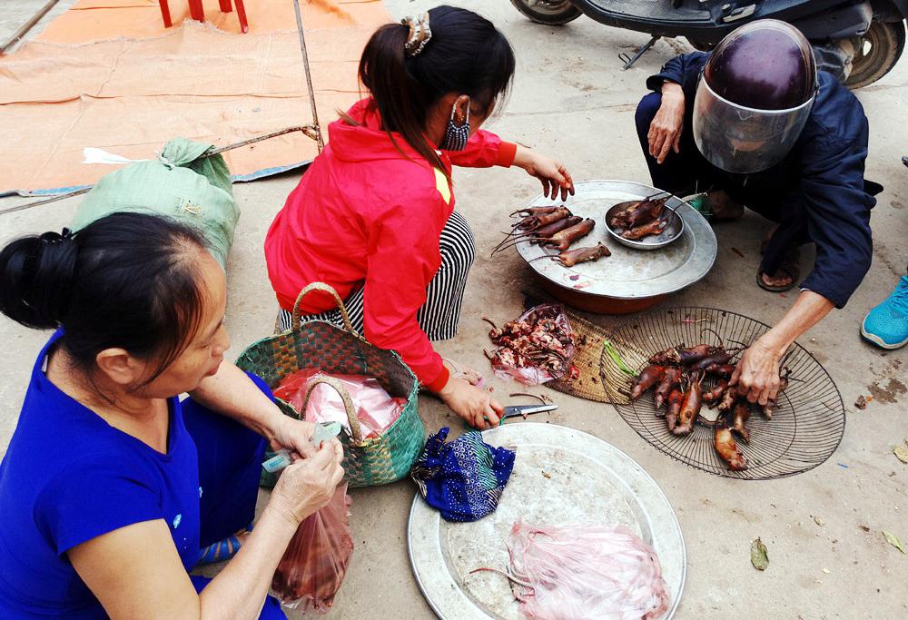 'Khiếp đảm' với món đặc sản thịt chuột của người Hà Nội, món dễ kiếm nhưng giá trên trời