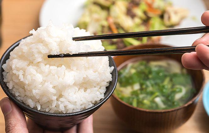 Làm thế nào ăn cơm mà vẫn giảm được cân?