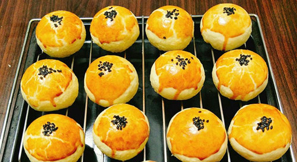 Cách làm bánh trung thu bằng nồi chiên không dầu đơn giản, dễ làm tại nhà
