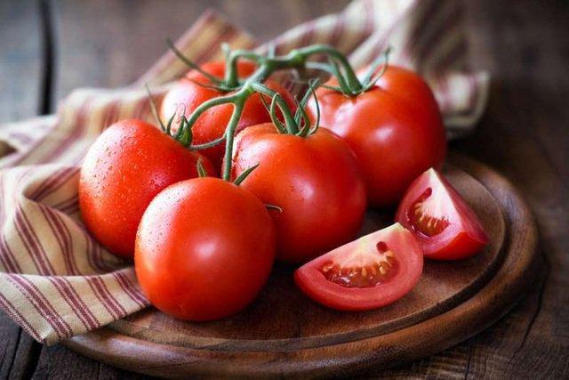 Mẹo chọn cà chua ngọt, mọng nước, không chất bảo quản