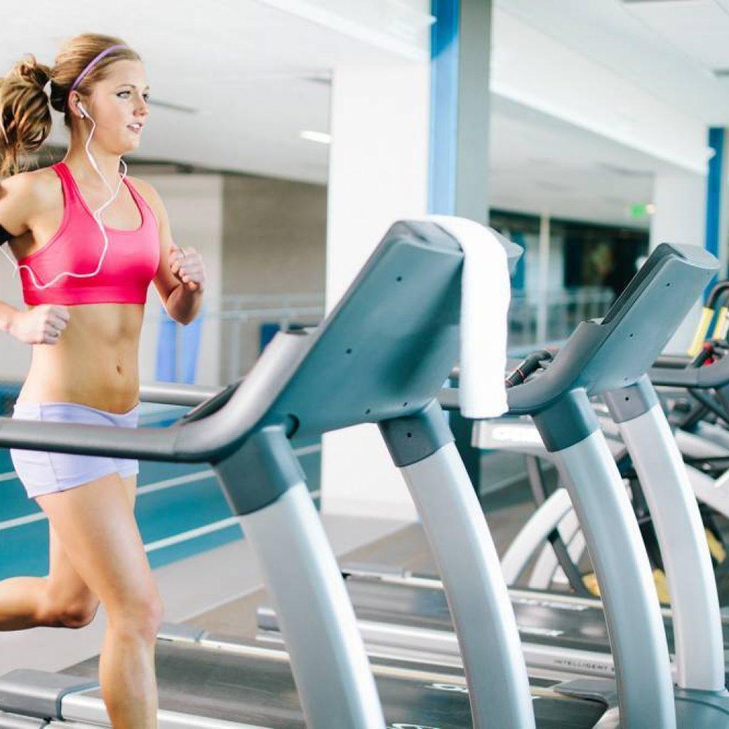Phụ nữ có nên tập gym?