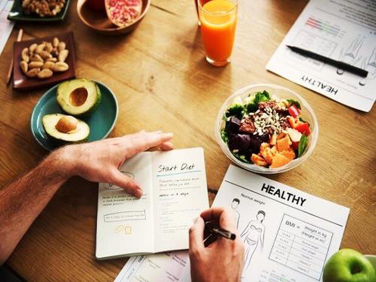 Tập gym nên ăn gì để giảm cân? Nguyên tắc và chế độ dinh dưỡng tốt nhất cho người muốn giảm cân