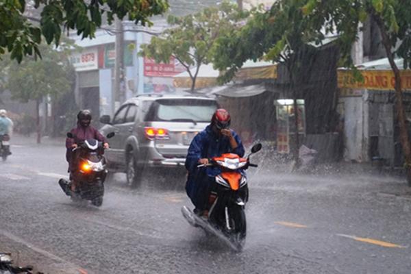 Thời tiết ngày hôm nay 14/8: Hà Nội có mưa rào, Thanh Hóa nắng nóng diện rộng