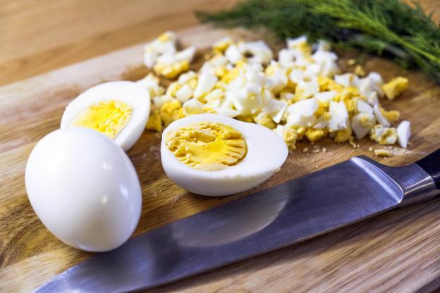 Top 4 thực phẩm giàu vitamin D bạn không nên bỏ qua trong chế độ ăn uống hàng ngày