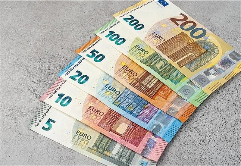 Tỷ giá Euro hôm nay 14/10: Các ngân hàng đồng loạt giảm