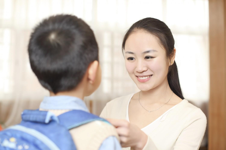 Vào lớp 1 là bước ngoặt quan trọng, cha mẹ cần chuẩn bị tâm lý vững vàng cho con